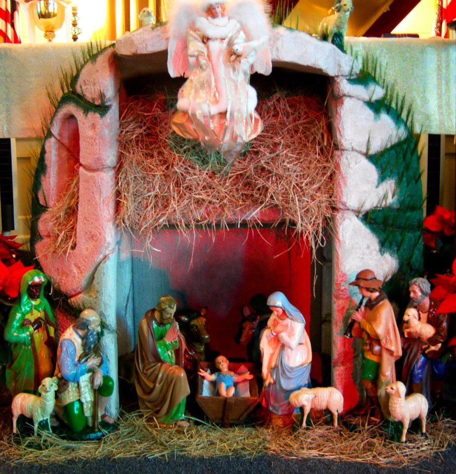 outside decoration st pauls outside altar manger - Christmas Church Decorations